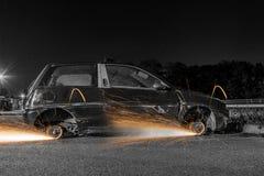 Rodas de carro com faíscas Fotos de Stock