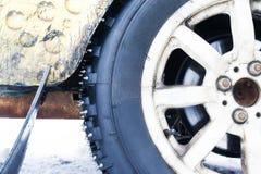 Rodas de carro com pontos para competir no gelo Fotografia de Stock
