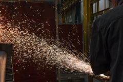 Rodas de moedura lustradas, pulverizadores do metal de processamento fotografia de stock royalty free