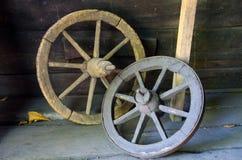 Rodas de vagão rústicas Foto de Stock Royalty Free
