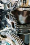 Rodas denteadas, engrenagens e rodas dentro do motor do caminhão fotografia de stock royalty free
