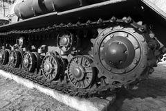 Rodas do metal e tanque da lagarta Fotografia de Stock Royalty Free