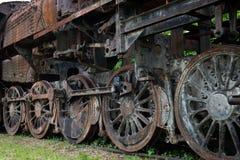 Rodas oxidadas da locomotiva de vapor foto de stock royalty free