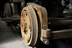 Rodas velhas e oxidadas do bonde fotos de stock royalty free
