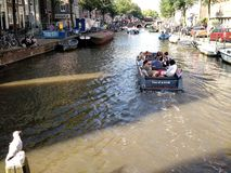 Rodd i Amsterdam, Nederländerna arkivbilder