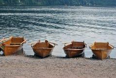 Roddbåtar på Titiseen - svart skog Royaltyfria Foton