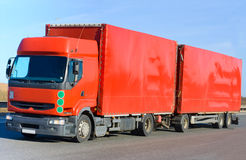 Rode aanhangwagenvrachtwagen Royalty-vrije Stock Afbeeldingen