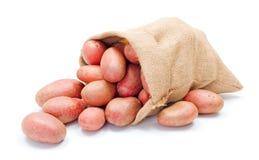 Rode aardappels in zak Royalty-vrije Stock Afbeeldingen