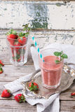Rode aardbei smoothie royalty-vrije stock foto