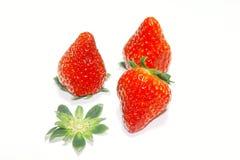 Rode aardbeien stock afbeeldingen