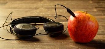 Rode appel met telefoons royalty-vrije stock fotografie