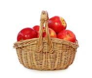 Rode appelen in baske Royalty-vrije Stock Afbeelding