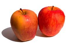 Rode appelen die op witte achtergrond worden geïsoleerd royalty-vrije stock foto's