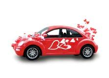 Rode auto met harten Royalty-vrije Stock Afbeeldingen