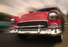 Rode Auto in Motie Royalty-vrije Stock Foto's
