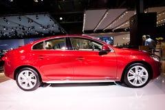 Rode auto Volvo c60 Stock Afbeelding