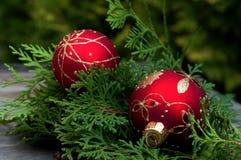 Rode ballen op houten lijst Royalty-vrije Stock Foto