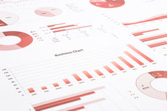 Rode bedrijfsgrafieken, grafieken, jaarverslag en het samenvatten backg Stock Afbeeldingen