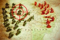 Rode beeldzoeker over rebellen op Afganistan-grondgebied: nadruk op Afganistan-conflict Royalty-vrije Stock Foto