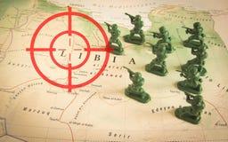 Rode beeldzoeker over rebellen op het grondgebied van Libië: nadruk op het conflict van Libië Royalty-vrije Stock Afbeelding