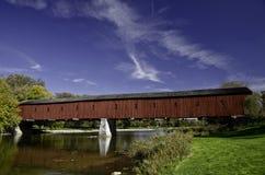 Rode behandelde brug Stock Fotografie