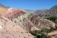 Rode berg in Quebrada DE Humahuaca royalty-vrije stock foto's