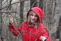 Rode berijdende kap Stock Foto