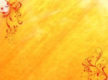 Rode bloemenwervelingen gele achtergrond Stock Foto's