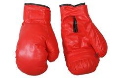 Rode bokshandschoenen die op witte achtergrond worden geïsoleerd Stock Foto