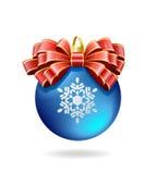 Rode boog op een blauwe bal. Royalty-vrije Stock Fotografie