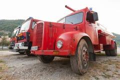 Rode brandbestrijdersvrachtwagens Royalty-vrije Stock Fotografie