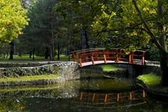 Rode brug Stock Afbeelding
