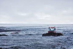 Rode bulldozer in IJsland De zomer van 2016 Royalty-vrije Stock Afbeeldingen