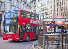 Rode Bus Royalty-vrije Stock Fotografie