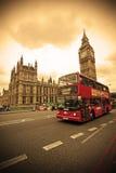 Rode bus in Londen Royalty-vrije Stock Afbeeldingen