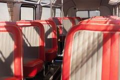 Rode buszetels Royalty-vrije Stock Afbeelding