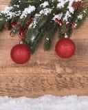 Rode Chriatmas-Ornamenten Stock Afbeeldingen