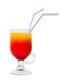 Rode cocktail die op wit wordt geïsoleerde Stock Foto
