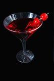 Rode cocktail op zwarte Royalty-vrije Stock Foto's