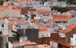 Rode daken en witte huizen Stock Afbeelding