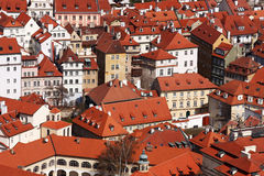 Rode daken Praag Stock Foto