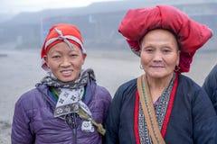 Rode Dao-vrouwen in Sapa, Vietnam Stock Afbeelding
