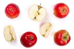 Rode die appelen met plakken op witte hoogste mening worden geïsoleerd als achtergrond Vlak leg patroon Stock Fotografie