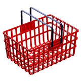 Rode die het winkelen mand op witte achtergrond wordt geïsoleerd Stock Fotografie