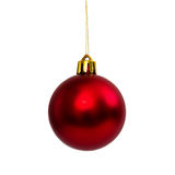 Rode die Kerstmisbal op wit Nieuwjaar wordt geïsoleerd als achtergrond Royalty-vrije Stock Afbeeldingen