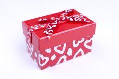Rode doos met geschilderde harten Royalty-vrije Stock Afbeeldingen
