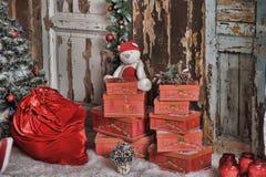 Rode doos met giften Stock Afbeelding
