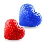 Rode en blauwe aardbeiharten Stock Afbeeldingen
