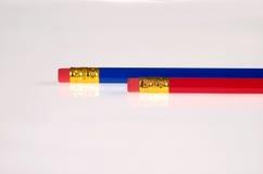 Rode en blauwe potloden Royalty-vrije Stock Afbeeldingen