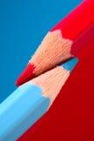 Rode en Blauwe Potloden Royalty-vrije Stock Foto's